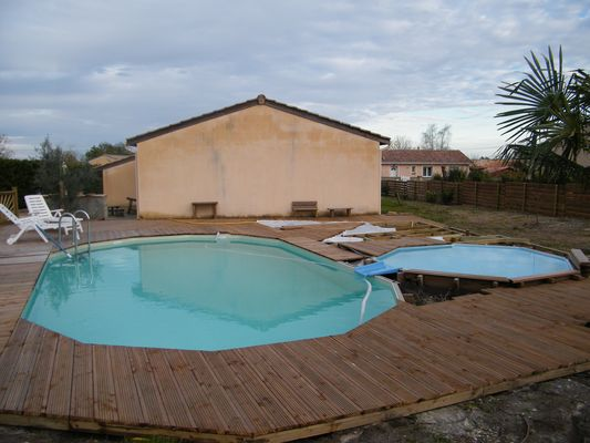 Boisylva aquitaine multiservices construction bois for Piscine bois 8x5