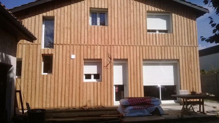 Portail de maison max min - Couvre joint bois ...