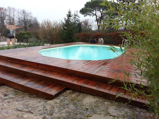 Boisylva aquitaine multiservices construction bois for Piscine terrain en pente